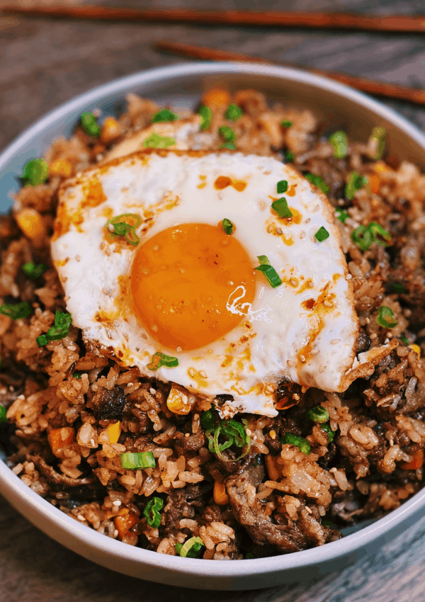 Taiwanese Beef Shacha Fried Rice (20 Minutes)