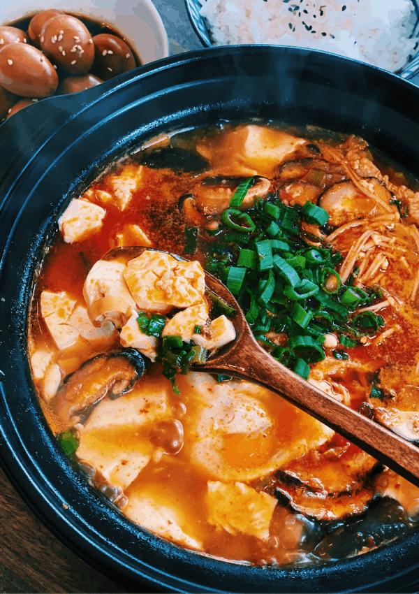Korean Spicy Soft Tofu Stew – Sundubu Jjigae